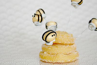 Cola Ball Bee